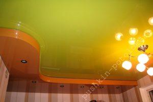 потолок ПВХ на кухне